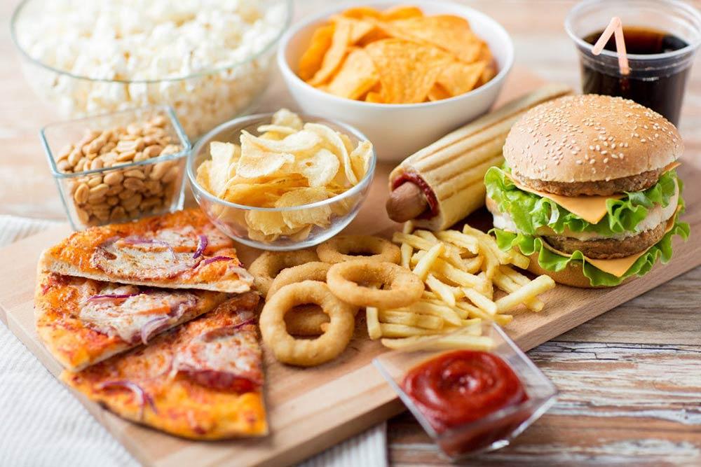 Οι πιο Ανθυγιεινές Τροφές που Πρέπει να Βγάλετε από τη Διατροφή σας